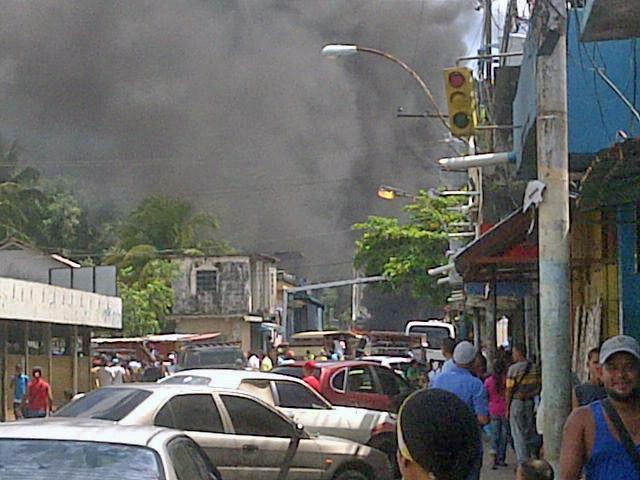 Mercado Municipal de Caripito, sacudido por las protestas. Foto IPC,@_UnBetoMas