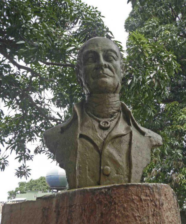 El busto de Cruz Carrillo ha sido vandalizadoFoto Marinela Araque. Año 2017.