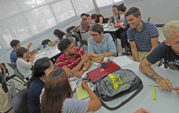 Taller para emprender en patrimonio cultural. Profesora Elisa Quijano y Leonardo Soto
