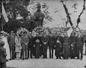 La-estatua-de-fray-Juan-Ramos-de-Lora-fue-inaugurada-en-el-parque-homónimo-el-24-de-junio-de-1972.-Fuente-Odilo-Gómez-Parente.-Dig.-Samuel-Hurtado-Camargo