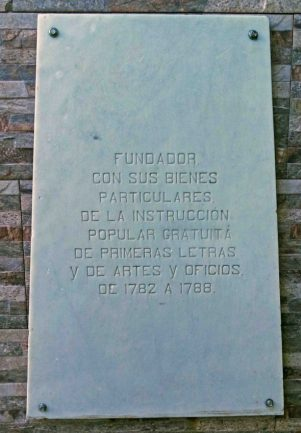 Monumento al Canónigo Uzcátegui, Mérida. Patrimonio cultural venezolano.