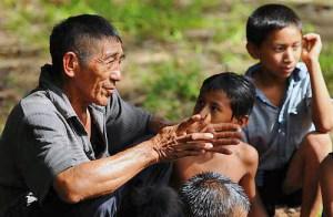 Miembros de la etnia mapoyo, cuya lengua está en la lista de preservación urgente de la UNESCO.