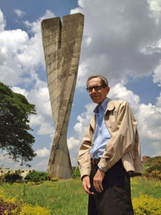 Monumento La Espiga / Monumento La Agricultura, en Acarigua - Araure, estado Portuguesa. Patrimonio cultural de Venezuela.