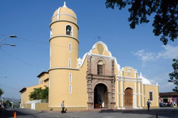 Iglesia San Francisco de Paula, en Yare, estado Miranda. Monumento Histórico Nacional de Venezuela.