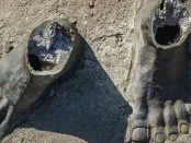 Estatua de José Leonardo Chirino. La escultura de bronce, de 2 m y más de 300 kg de peso, fue robada en la sierra de Coro, Falcón. Patrimonio cultural venezolano en peligro.
