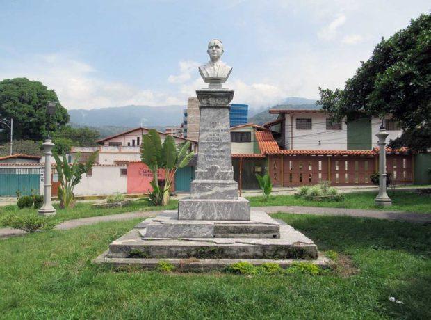 Monumento a Julio César Salas Uzcátegui. Monumento histórico del estado Mérida. Patrimonio cultural de Venezuela.