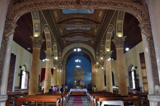 Ermita del Carmen de Barcelona. El templo es monumento histórico nacional desde 1960. Hoy presenta fisuras por el sismo del 21 de agosto de 2018. filtraciones y termitas en las maderas estructurales. Patrimonio cultural de Venezuela en peligro.