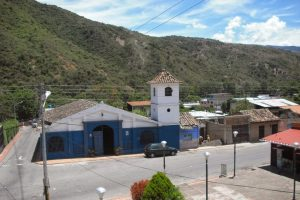Campanas de Lobatera. Capilla del Humilladero (Lobatera). Reedificada en 1965, conservó la forma original de la capilla de 1875