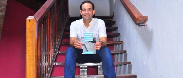 El arquitecto Rubén Contreras López escribe, propone y gestiona por el rescate del casco histórico de La Guaira. Foto Cruz Sojo, 2018.