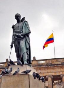 Estatua pedresre de El Libertador realizada por Pietro Tenerani. Bogotá, Colombia. Foto blog Nuestro Patrimonio
