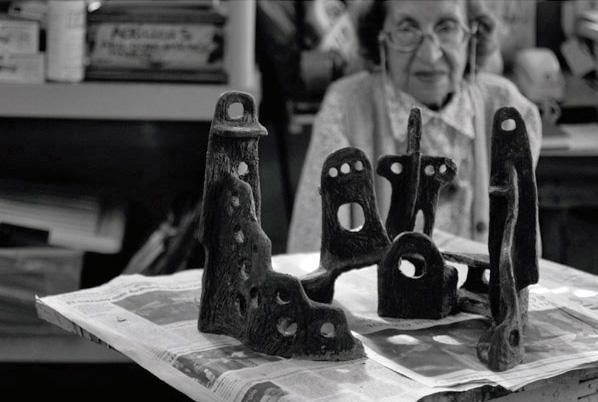 Foto-del-afiche-de-la-exposición-de-la-obra-El-gran-lugar-del-alba-de-Colette-Delozzanne-en-2012.-Foto-Anne-Louyot_Alianza-Francesa.