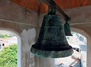 María de Chiquinquirá es la campana más antigua que se conserva en Lobatera la cual data de 1839. Su forma esquilonada, otea desde la altura del campanario de la Capilla del Humilladero.