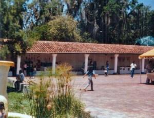 Una vista del patio de la antigua casona del parque La Isla. Foto Colección Biblioteca Febres Cordero, Mérida-Venezuela. Dig. BFC
