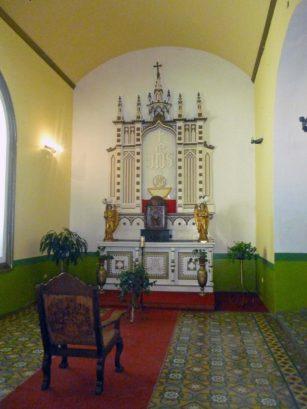 Altar lateral izquierdo de la iglesia Nuestra Señora de El Espejo, Mérida-Venezuela. Foto Marinela Araque, diciembre 2018.