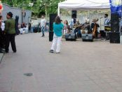 La plaza La Cruz es el espacio de encuentro por excelencia de la comunidad de El Calvario, El Hatillo, Miranda. Foto Luis Chacín, 2018.