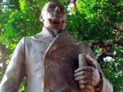 Frontal de la estatua pedestre de Cristóbal Mendoza. Mérida, Venezuela. Foto Samuel Hurtado Camargo, marzo 19 de 2019. copia
