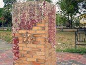 Pedestal donde estaba el busto de José Antonio Paez, en la ciudad de Barinas. Foto Marinela Araque, abril, 2019.
