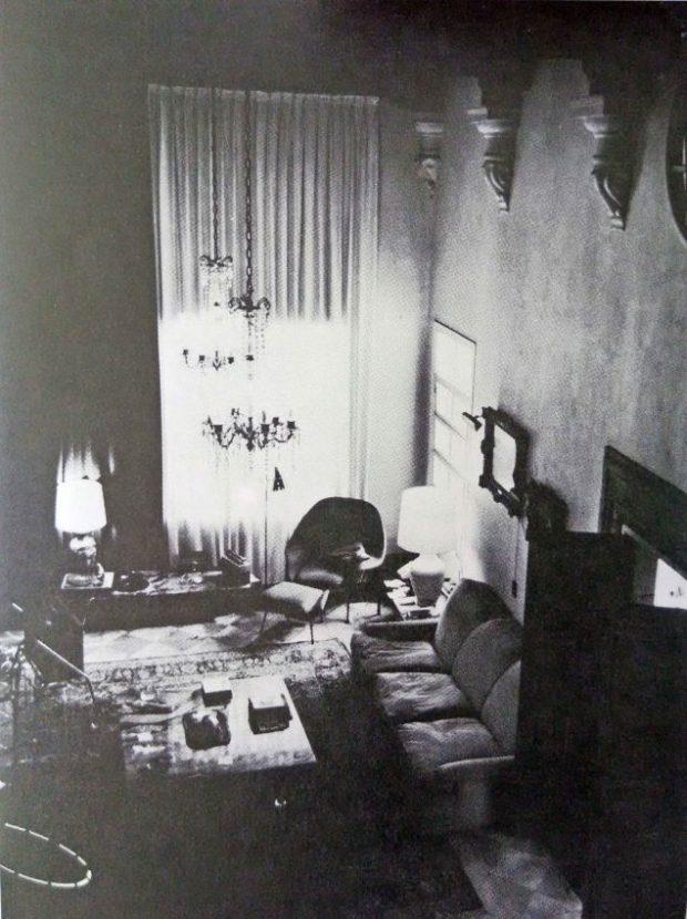 Interior de una residencia en el Country Club, Caracas, 1937-39. Foto Gasparini, Graziano y Posani, Juan Pedro, Caracas a través de su arquitectura, Armitano Editores.