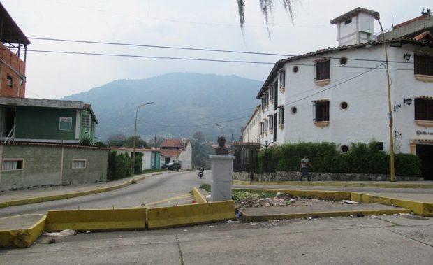 El monumento a Germán Briceño Ferrigni en el sector Cruz Verde, de la parroquia Milla de Mérida, Venezuela. Foto Samuel Hurtado Camargo, marzo 27 de 2019.