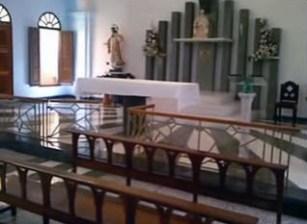 Vista del altar de la capilla Madre Rafols