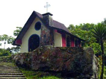 Capilla de San Benito fotografiada por el IPC para el I censo del patrimonio cultural venezolano.