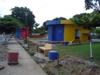 Construcción de la controvertida cerca perimetral del parque Los Mangos, ejoras del parque Los Mangos. Bien cultural de la ciudad de Barinas, estado Barinas, Venezuela.