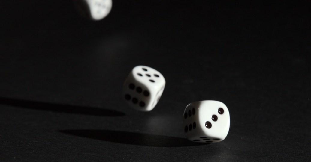 致H:和先生結婚三十年,到頭來還是在幫他背賭債!!