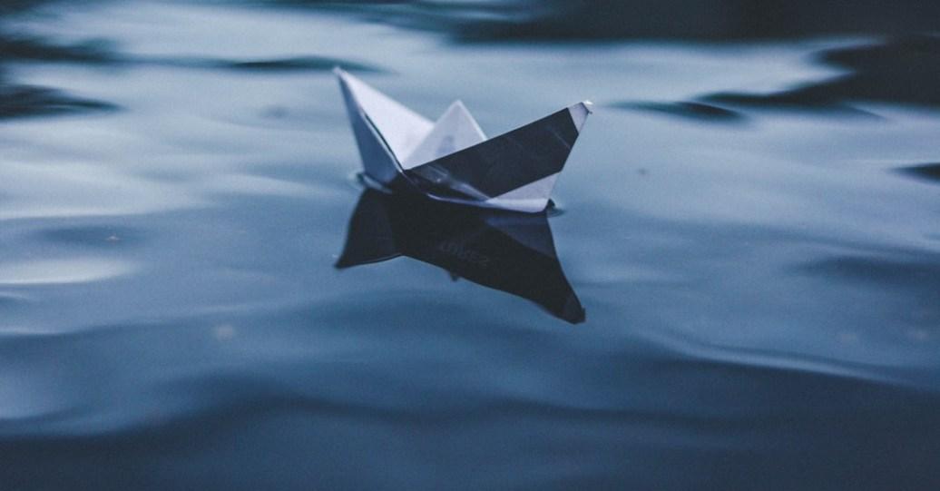 妳是想要共乘一艘愛之船,還是只是要抓住一塊浮板?