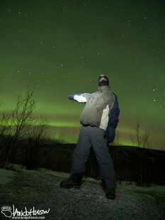 "Ross says ""The Aurora is over here!"""
