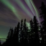 October 6th : Streaks of purple in a beautiful sun-kissed aurora display