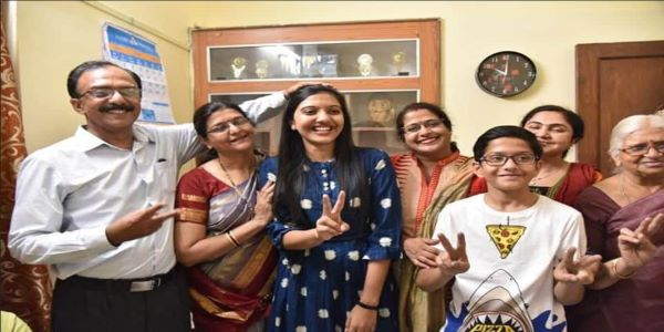 Srushti Jayant Deshmukh's 10th percentage were decent. Moreover, she also performed well in her 12th class and UPSC.