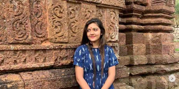 Srushti Jayant Deshmukh's Age was 23 years when she cracked the civil services exam. She secured the fifth All India Rank.