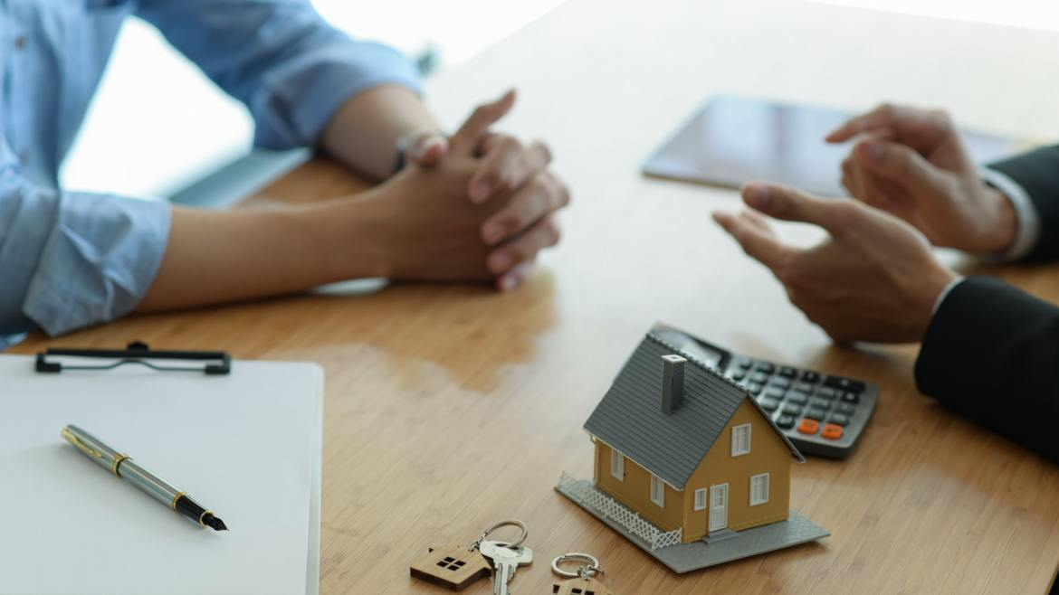 Finding insurance using independent insurance agents
