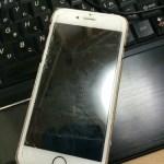 iPhone6sの画面修理! いつ見ても、iPhone6sの中は機械な感じがしますね