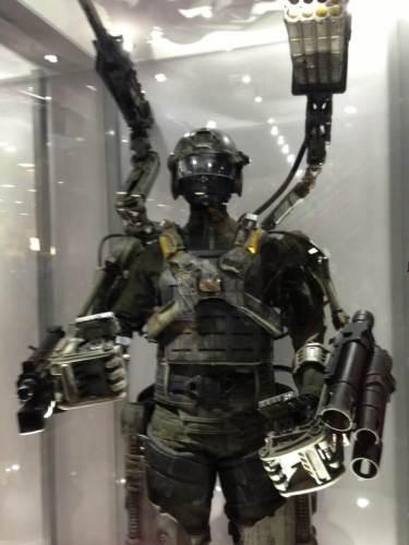 exoskelet robot guerre futur