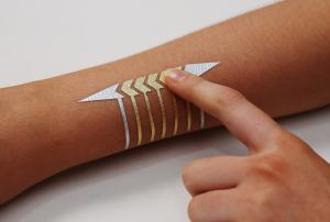 DuoSkin capacitive touch slider made from gold and silver leaf. (Photo: Jimmy Day)