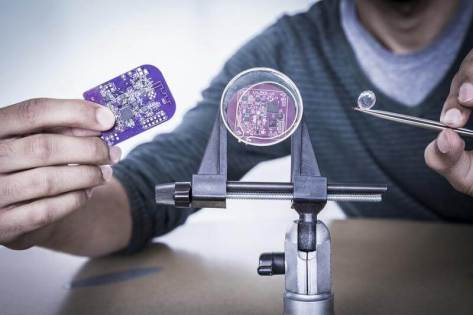 The energy savings from interscatter communication allows power-limited devices such as smart credit cards (left), implanted medical devices (middle) and smart contact lenses (right) to achieve Internet connectivity. (Credit: Mark Stone/University of Washington)