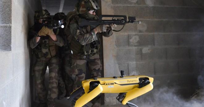 chien robot Boston Dynamics militaire de Saint-Cyr Coëtquidan France