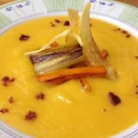 Crema de patata, puerro y zanahoria pero con estilo