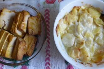 Smoked tofu with creamy garlic potatoes