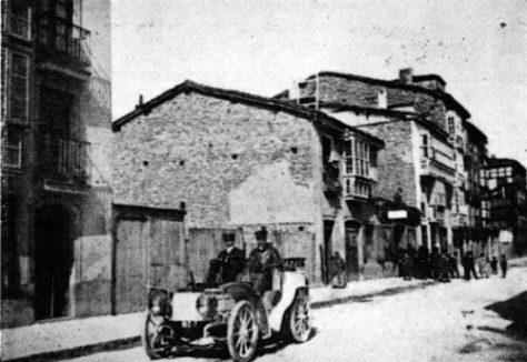 primer-coche-frances-que-llego-a-vitoria-1900
