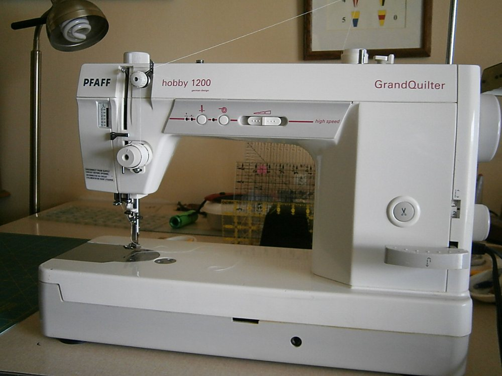 Pfaff GrandQuilter Hobby 1200- History and Tips (2/3)