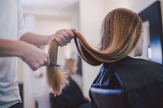 How To Become A Successful Female Hairstylist