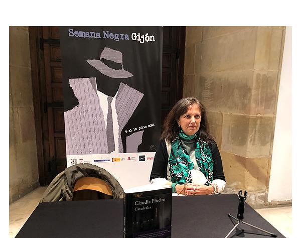 Guionista argentina Claudia Piñeiro gana premio en Gijón