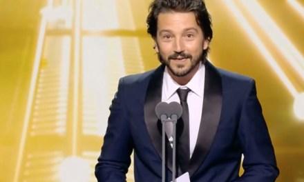 Diego Luna recibe Premio Platino de Honor