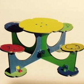 Mesas multicolor infantiles