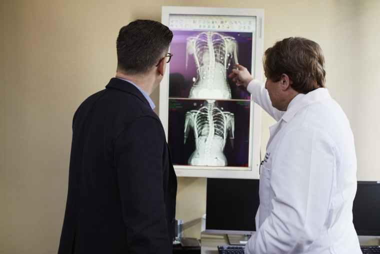 اعراض سرطان الراس.. العلاج بالإشعاع
