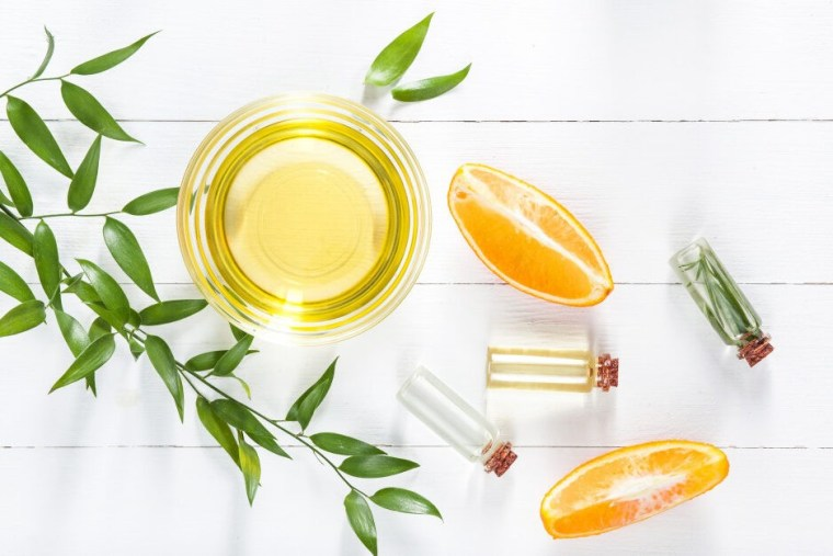 كيفية استعمال زيت الليمون لعلاج حب الشباب