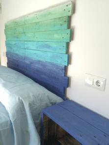 Cabecero de madera de listones de palet