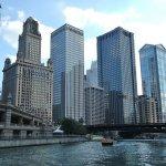 水と摩天楼の街、シカゴ